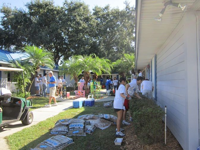 Volunteers at House of Hope Orlando